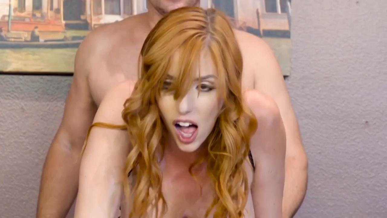 Sekreter Ofiste Açılıp Saçılıyor Erotik Film Sahnesi